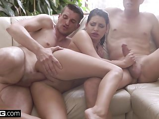 Threesomes Double Penetration Wolf video: Glamkore - Annie Wolf has a sensual DP session
