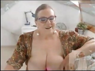 Hairy Arab Big Ass video: AMATEUR SPANISH GRANNY