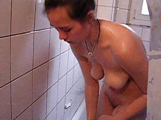 amandie en la ducha
