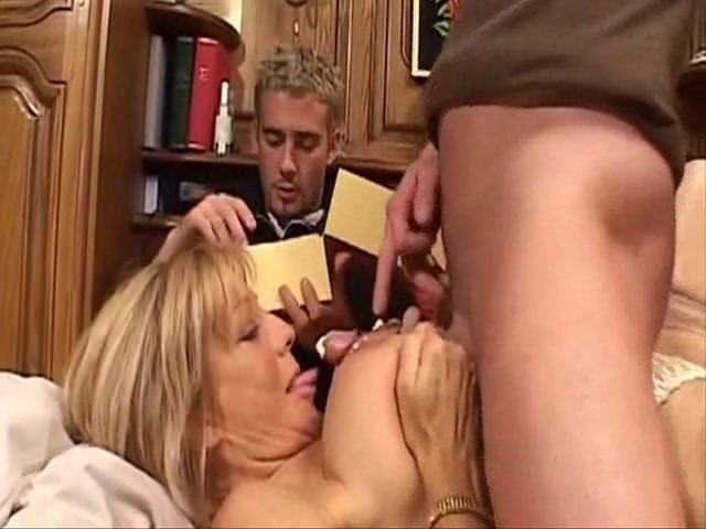 Транс с буферами порно смотреть онлайн