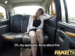 Faux Taxi passager Busty donne bonne branlette espagnole