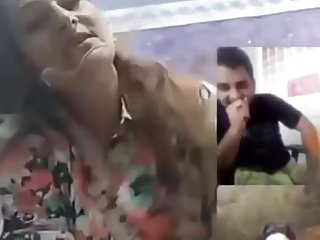 Tits Flashing Sexy video: Sexy Pakistani aunty