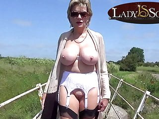 Mature babe lady sonia outdoors...