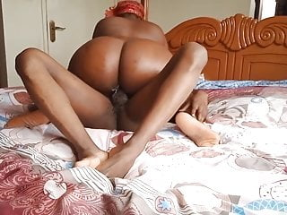 Naija porn- Big booty teaser ends up getting creampied by black guy
