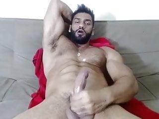 Brazilian bodybuilder jerk off & cum