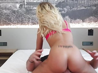 Fucking a In need of sex Blonde Girl in Lodge