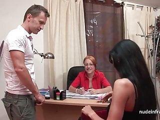Milf francese in lingerie dura e sbattuta in faccia