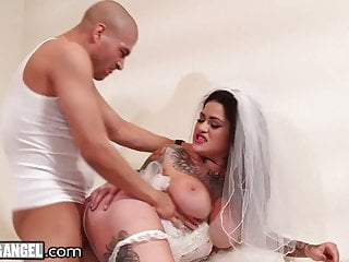 Cheating Bride Gets Destroyed Hard By The Best Man