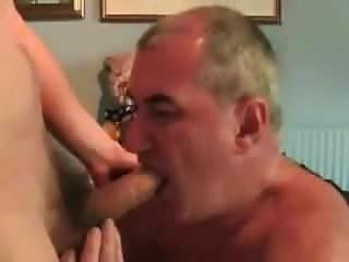 Gay sucking a nice dick...