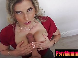 Mom makes experience a real blowjob...