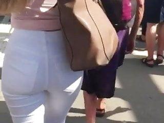 Big Ass Upskirt Hidden Camera video: Candid hot round ass in tight white jeans