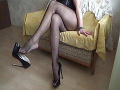 Shoe dangling.