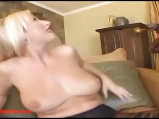 Big boned milf mom pussy...