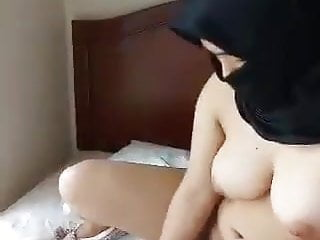muslim girl masturbatingHD Sex Videos