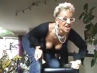 german granny dildo analPorn Videos