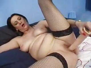 Amateur buxom loves her dildo...