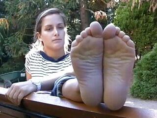Big Soles & Thick Toes