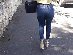Well balaced french school girl candid ass