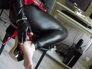 Feet fetish pedicure...