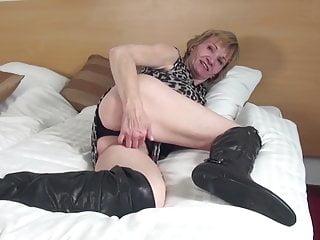 Amateur cunt in big black boots...
