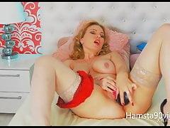 my beautifull milf show webcam