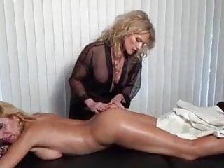 अरब बहन ने मुझे उसके स्तन दिखाए