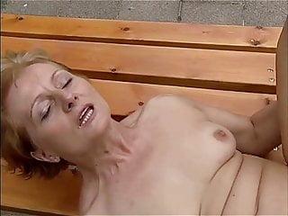 leszbikus olló klipek