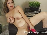 Marisa Vazquez plays with a toy in her mature pussy