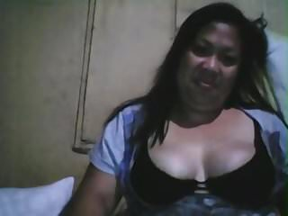 Filipino fatty whore show boobs...