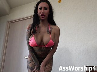 Sexy Lily Lane shakes her big ass for you