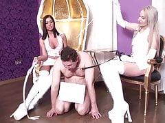 Perverz csajok akik szeretnek a pisivel játszadozni szex videó