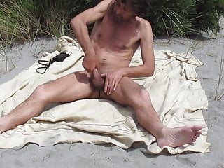 Str8 daddy play at the beach