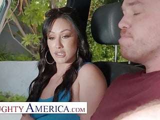 Playful America – Jennifer White likes to get Ass Fucked
