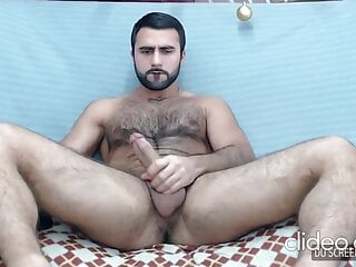 Handsome hirsute muscled Turkish guy show on cam DILF