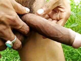 Outdoor masturbation with cumshot-indian handjob