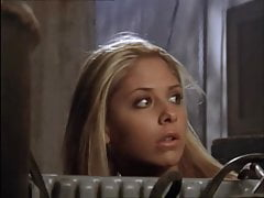 Buffy The Vampire Slayer – Buffy gets turned back from a rat