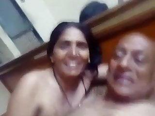 Hindu fuck muslim women buratal fuck...