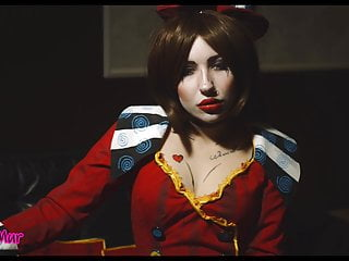 Mad Moxxi is out of control (Borderlands cosplay)
