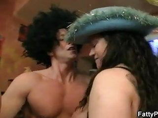 Three plumper bitches orgy...