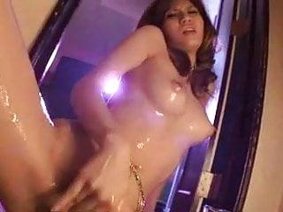 Solo masturbation with oil dmvideos...