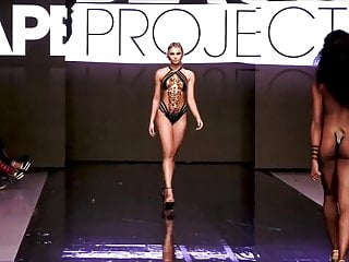 Tape Project The Show Runway Black