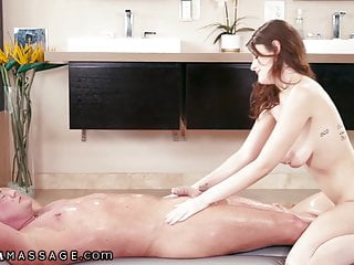 Hot masseuse tits can 039 t resist to...
