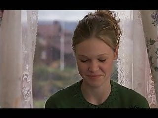 Julia stiles laughs at a...