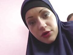horny muslim woman was caught while watching porn step siste