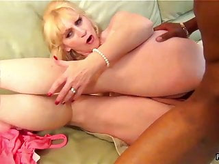 INTERRACIAL SEXXX PUSSYBANDIT