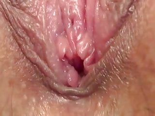 Milf Pussy Pissing video: Extreme close up hairy juicy wet pussy  pissing