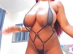 Sofia Ebony Milf from Colombia Shows her bathingsuit