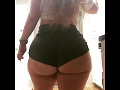 DANCING THICC GIRLS 01