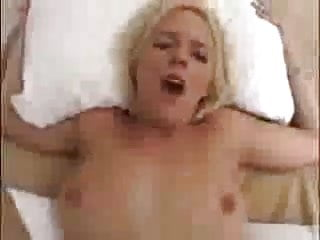 Horny Babe with Perfect pussy Get Fucked Hard !!