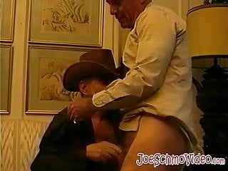 Mature kissing and sucking each others cocks...
